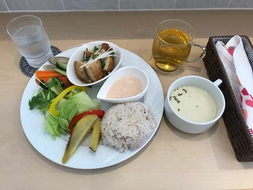 薬膳ランチ・チキンプレート