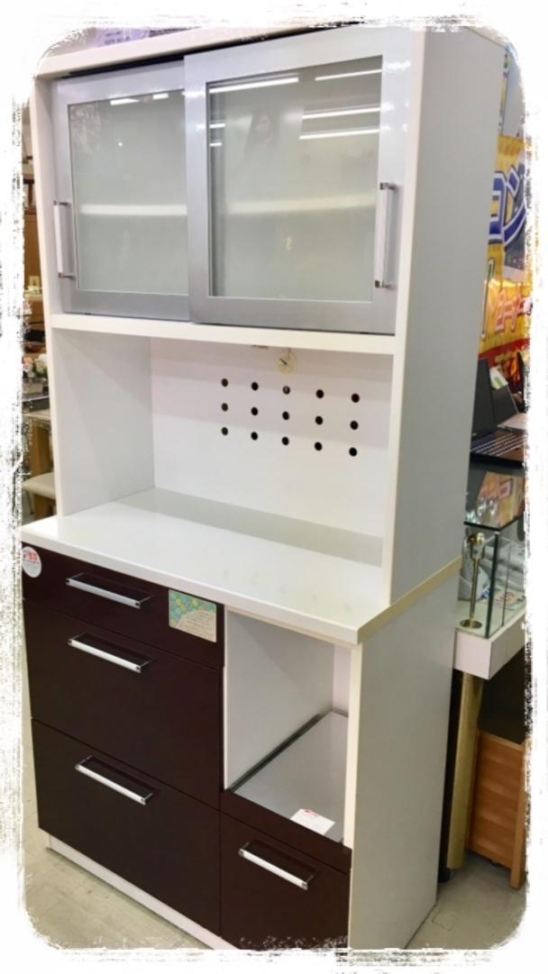 購入した食器棚